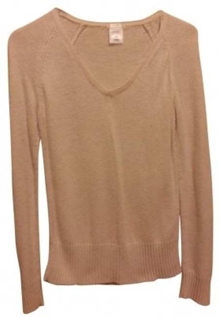 Preload https://item2.tradesy.com/images/old-navy-cream-v-necked-sweaterpullover-size-8-m-179716-0-0.jpg?width=400&height=650