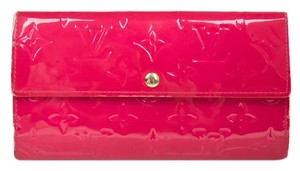 Louis Vuitton Louis Vuitton Sarah Wallet in Fuchsia Vernis Monogram