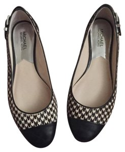 Michael Kors Black and white Flats