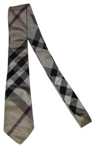 Burberry London Burberry London check tied