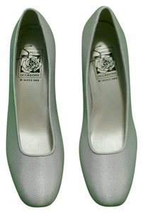 Special Occasions by Saugus Shoe Cushioned New Without Box White silk Formal