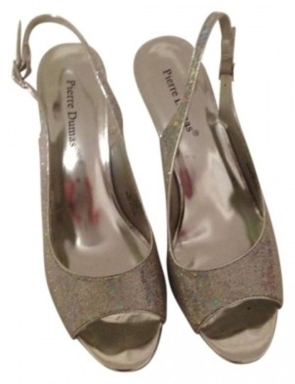 Preload https://img-static.tradesy.com/item/179808/pierre-dumas-silver-marcella2-formal-shoes-size-us-8-0-0-540-540.jpg