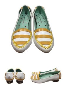 Other White/Mustard Flats