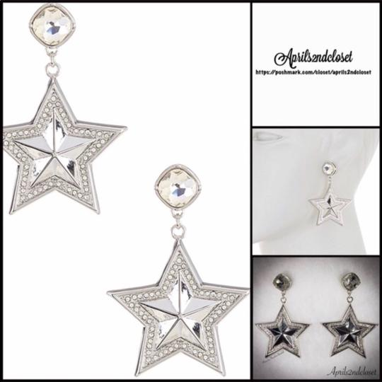 BCBGeneration BCBGENERATION CRYSTAL PAVE STAR STATEMENT EARRINGS Image 1