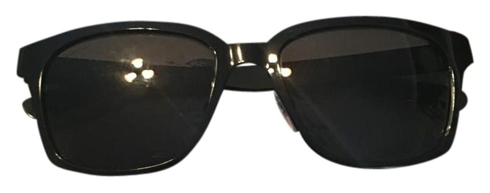 b2667bc5eafe Burberry Sunglasses - Up to 70% off at Tradesy (Page 3)