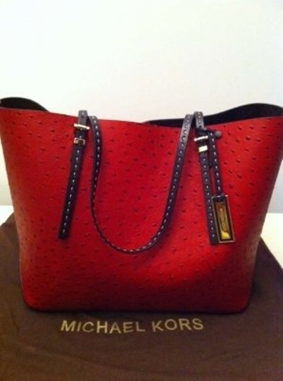 Michael Kors Tote in CRIMSON