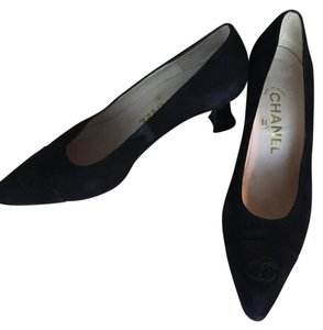 Chanel Pointed Toe Black Pumps