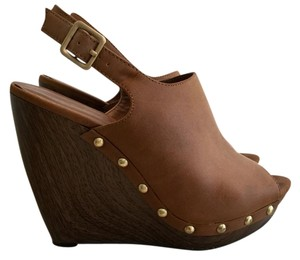 Jessica Simpson Light Brown Wedges