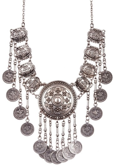 Preload https://item4.tradesy.com/images/eye-candy-los-angeles-dangle-coin-my-neck-necklace-1799088-0-0.jpg?width=440&height=440
