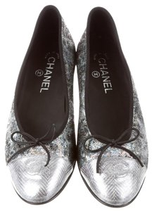 Chanel Metallic Interlocking Cc Grey, Silver, Black Flats
