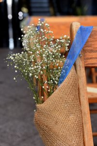 8- Burlap Aisle Containers For Flowers