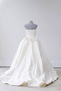 Vera Wang Princess Ball Gown With Gardenias Wedding Dress