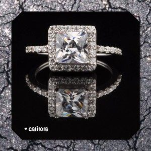 Solid Sterling Silver New 2.60ct Vvs1 Simulated Diamond Engagement Ring