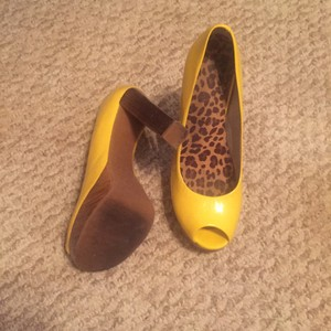 Gianni Bini Yellow Platforms
