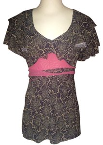 Sweet Pea by Stacy Frati Top Black and white
