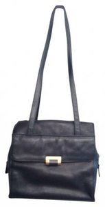 Worthington Faux Leather Leather Big Big Roomy Comfy Comfortable Pocket Pockets Zipper Zippers Snap Snaps Shoulder Bag