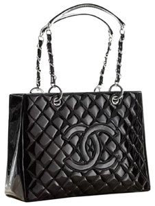 Chanel Gst Grand Shopping Patent Leather Cc Logo Tote in Black