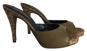 Donald J. Pliner Khaki with textured heel Mules