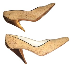 Stuart Weitzman Unique Cork Gold Feature Tan/Cork Pumps