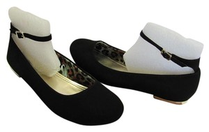 REPORT Size 8.50 M Very Good Condition Black Flats