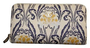 Tory Burch Tory Burch 'Robinson' Zip Continental Wallet