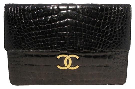 Preload https://item3.tradesy.com/images/chanel-clutch-oversized-with-chain-strap-black-alligator-skin-clutch-1801622-0-0.jpg?width=440&height=440