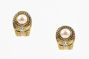 Vintage Gold Tone Faux Pearl Rhinestone Clip On Earrings
