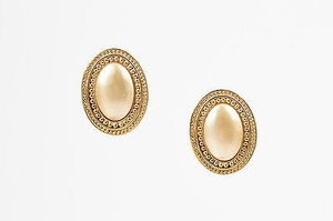 Carolee Vintage Carolee Gold Tone Cream Metal Faux Pearl Textured Oval Clip On Earrings