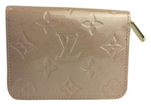 Louis Vuitton Louis Vuitton Nude Patent Leather Embossed Monogram Zippy Coin Purse