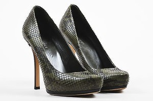 Gucci Black Snakeskin Pointed Platform Stacked Heel Green Pumps