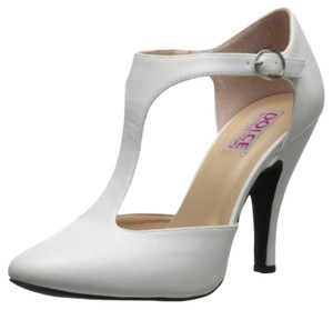 Mojo Moxy Dove White Pumps