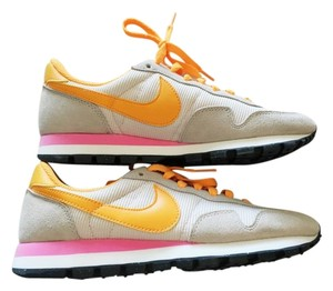 Nike Air Vintage Sneaker Beige Tan, Pink Athletic