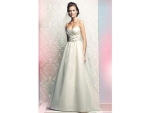 Mikaella Bridal Pearl Silk 1460 Destination Wedding Dress Size 12 (L)