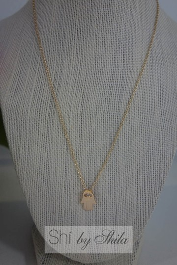 Shiekh Delicate Hamsa Necklace with Swarovski Crystal in the middle
