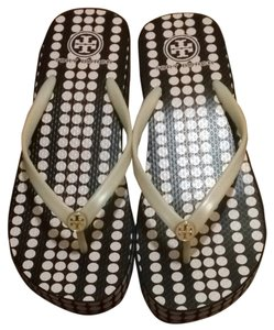 cfa37fc20 Tory Burch Marble Dot Blush Champagne Flats - item med img. Tory Burch.  Marble Dot Blush Champagne Thandie Wedge Flip Flop Flats. Size  US 9 ...