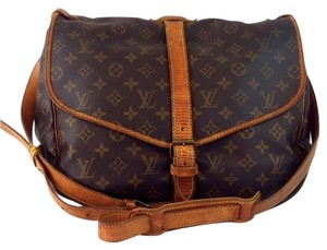 Louis Vuitton Saumur 35 Cross Body Classic Chic Monogram Canvas Leather Brown Messenger Bag