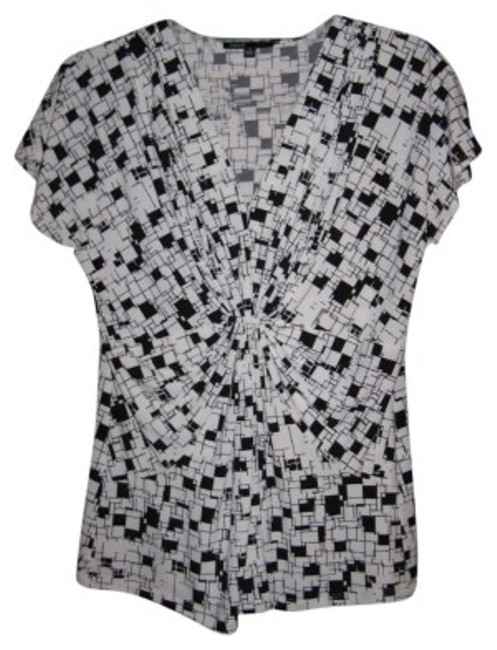 Preload https://img-static.tradesy.com/item/180380/chaus-blackwhite-print-twist-front-blouse-size-6-s-0-0-650-650.jpg