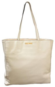 Miu Miu Tote in Off White
