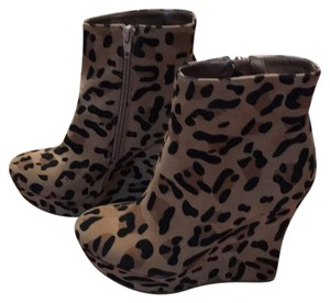 JustFab Bootie Boot Leopard print Wedges