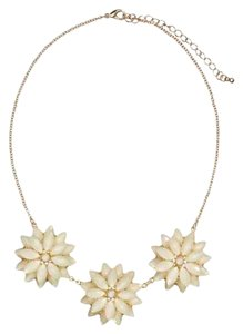 H&M Floral Pendant Necklace