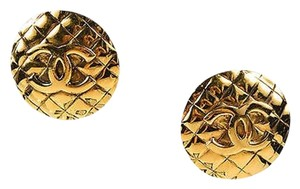 Chanel Vintage Chanel Gold Tone Metal Cc Quilted Round Clip On Earrings