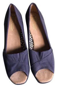 TOMS Navy Wedges