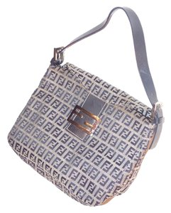 Fendi Mint Vintage Popular Style Chrome Hardware Shades Of Shoulder Bag