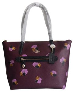 Coach Taylor 37226 Tote in Plum Field Floral