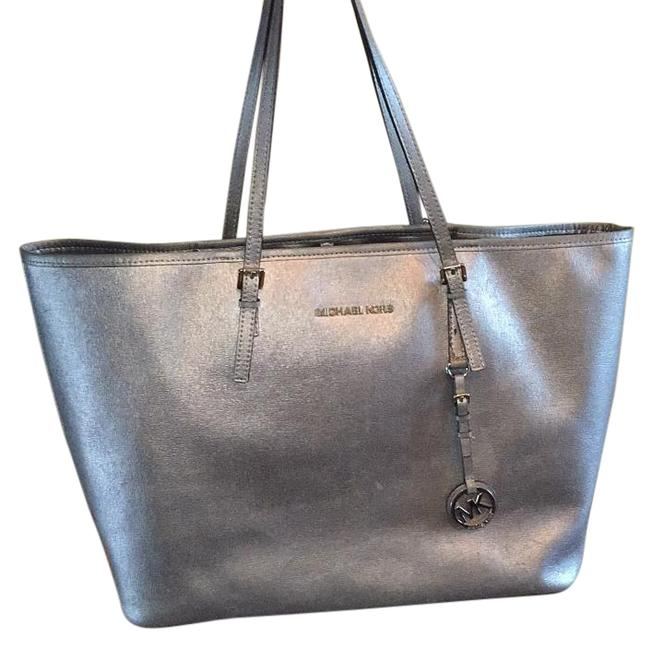 Item - Jet Set Multi Function Silver (Dove) Leather Tote