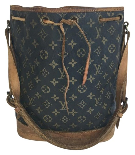 Preload https://item2.tradesy.com/images/louis-vuitton-noe-large-gm-monogram-canvas-and-vachetta-leather-shoulder-bag-1806521-0-4.jpg?width=440&height=440