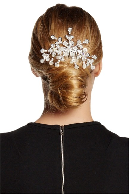 Item - Exotic Crystal Flower Comb Hair Accessory