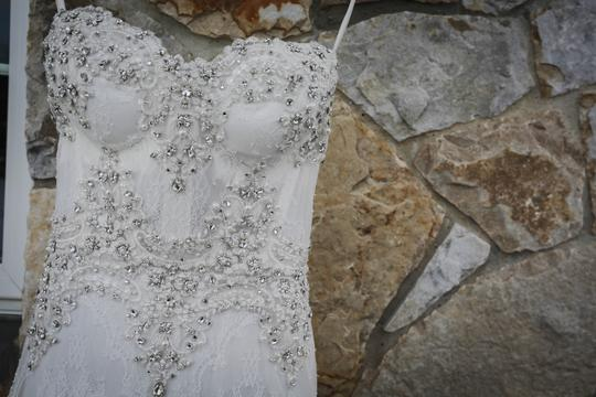 Pnina Tornai Ivory Lace Beads 4143 Formal Wedding Dress Size 4 (S) Image 1