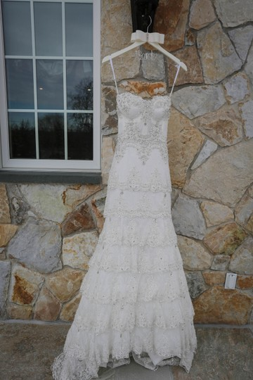 Pnina Tornai Ivory Lace Beads 4143 Formal Wedding Dress Size 4 (S) Image 3