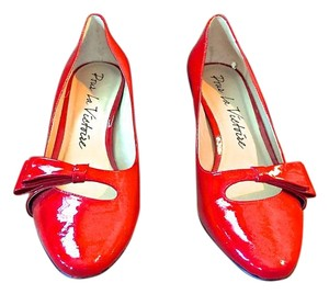 Pour La Victoire Patent Leather Bow red Pumps
